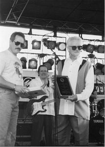 Photo of Gillispie received the Kyana Blues Society's Sylvester Weaver Award in 1998