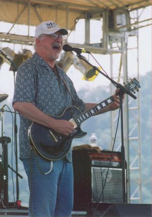 Photo of Greg Schaber at the Cave Run Festival, May 29, 2004