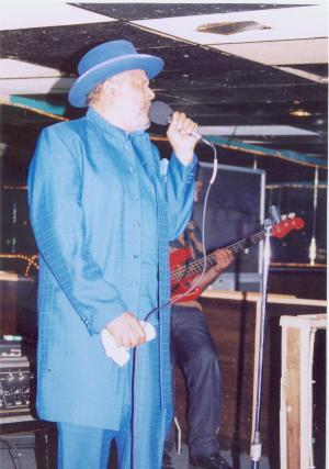 Photo of Joe Wells @537 Club, May 15, 2004