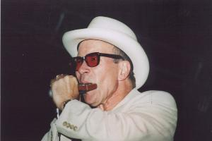 Photo of Merle Hummel at Ribberfest August 21, 2004