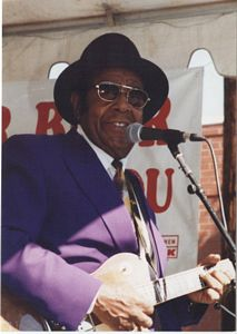 Photo of Foree Wells at the 1994 Garvin Gate Blues Festival