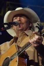 Photo of Alan Jackson at the Kentucky State Fair 2005