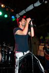 Photo of Gin Blossoms' vocalist Robin Wilson.